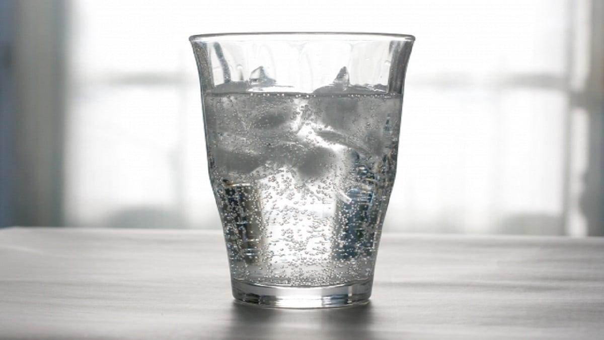 コップ・水・炭酸