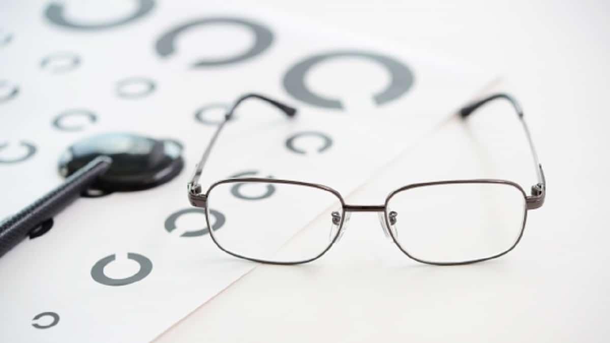 目・眼鏡・視力